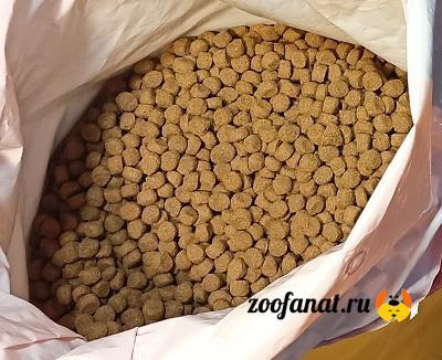 Полноценный сухой корм гранулированный