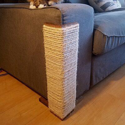 Угловая когтеточка для защиты мебели